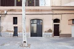 Parecidos razonables: Dos locales transformados en 'lofts'