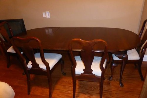 Mixing chairs with a Queen Anne Dining table?