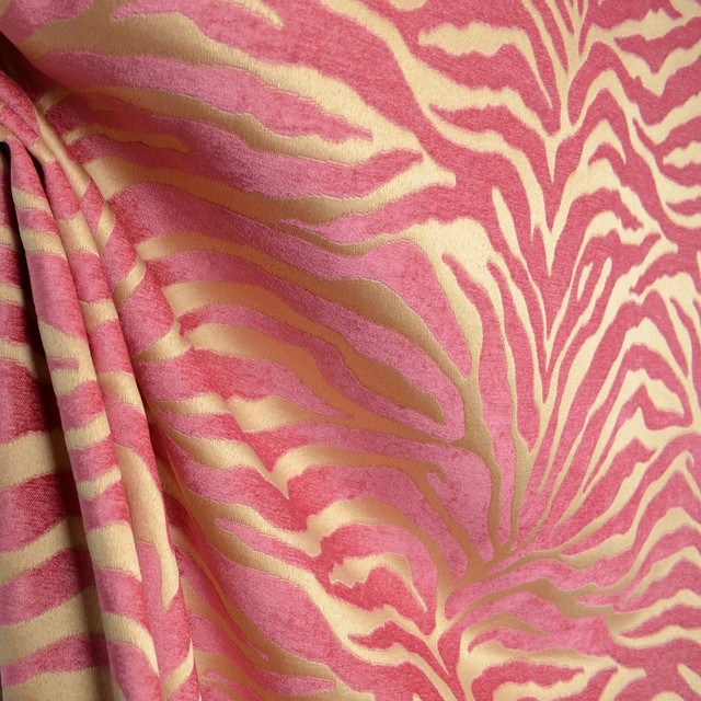 the fabric co - Serengeti Hot Pink Animal Print Chenille ...