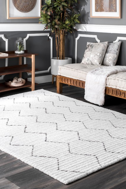nuLOOM Hand-Tufted Moroccan High-low Texture Striped Area Rug, White, 6'x9'