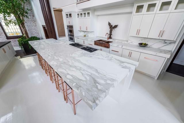 White Marble Calacatta Bettogli Kitchen - Modern - Dallas