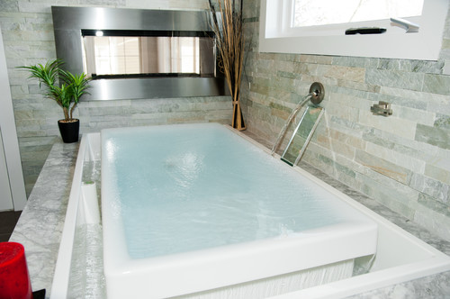 Infinity Tubs For The Master Bathroom