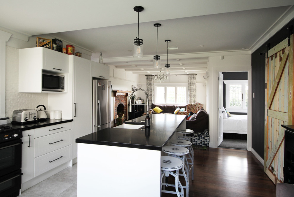 BUNGALOW RENO - THIS ONE'S GOT CHARACTER!