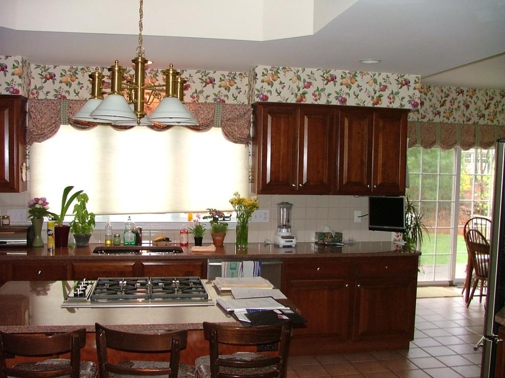 Kitchen before photo 5