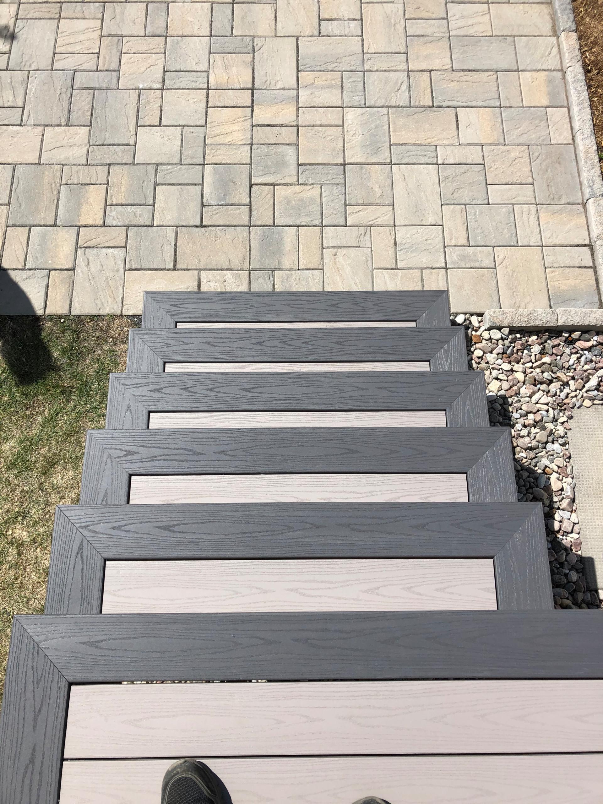 Azek-PVC-Slate Gray and Island Oak