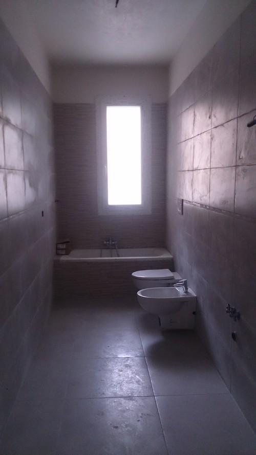 stanza da bagno,plafoniera o lampadario?