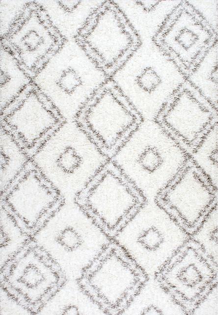 Beyazit Machine-Made Shag Rug, White, 8&x27;x10&x27;.