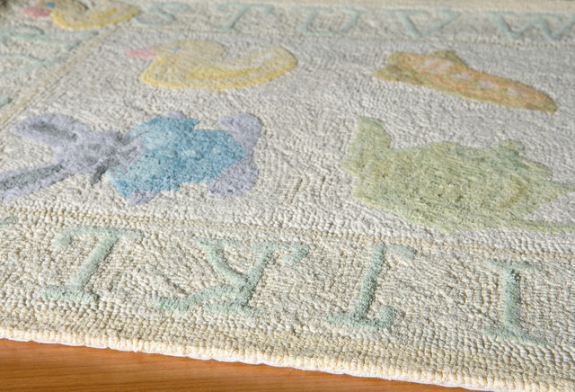 Lil Mo Classic Hand-Hooked Rug, Pale Yellow, 5&x27;x5&x27; Round.