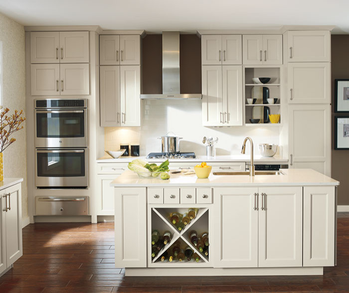 Caldera Cabinet with Dover Finish - Diamond Cabinetry