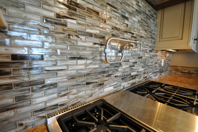 Tozen Glass Tile Kitchen Backsplash Contemporary