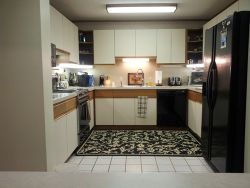 Need some inexpensive ideas for remodeling my 80 39 s u for Kitchen designs without windows