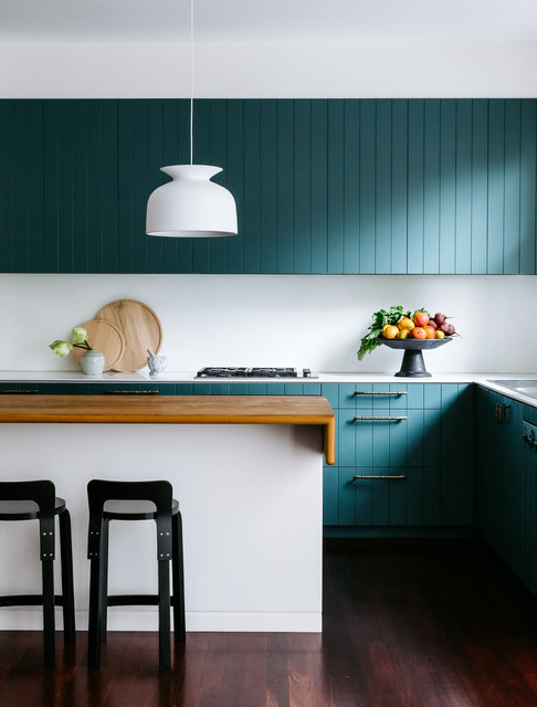 Vertical Panelling The Coolest Take From Country Kitchens