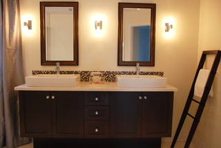 New build, Pierrefonds contemporary bathroom