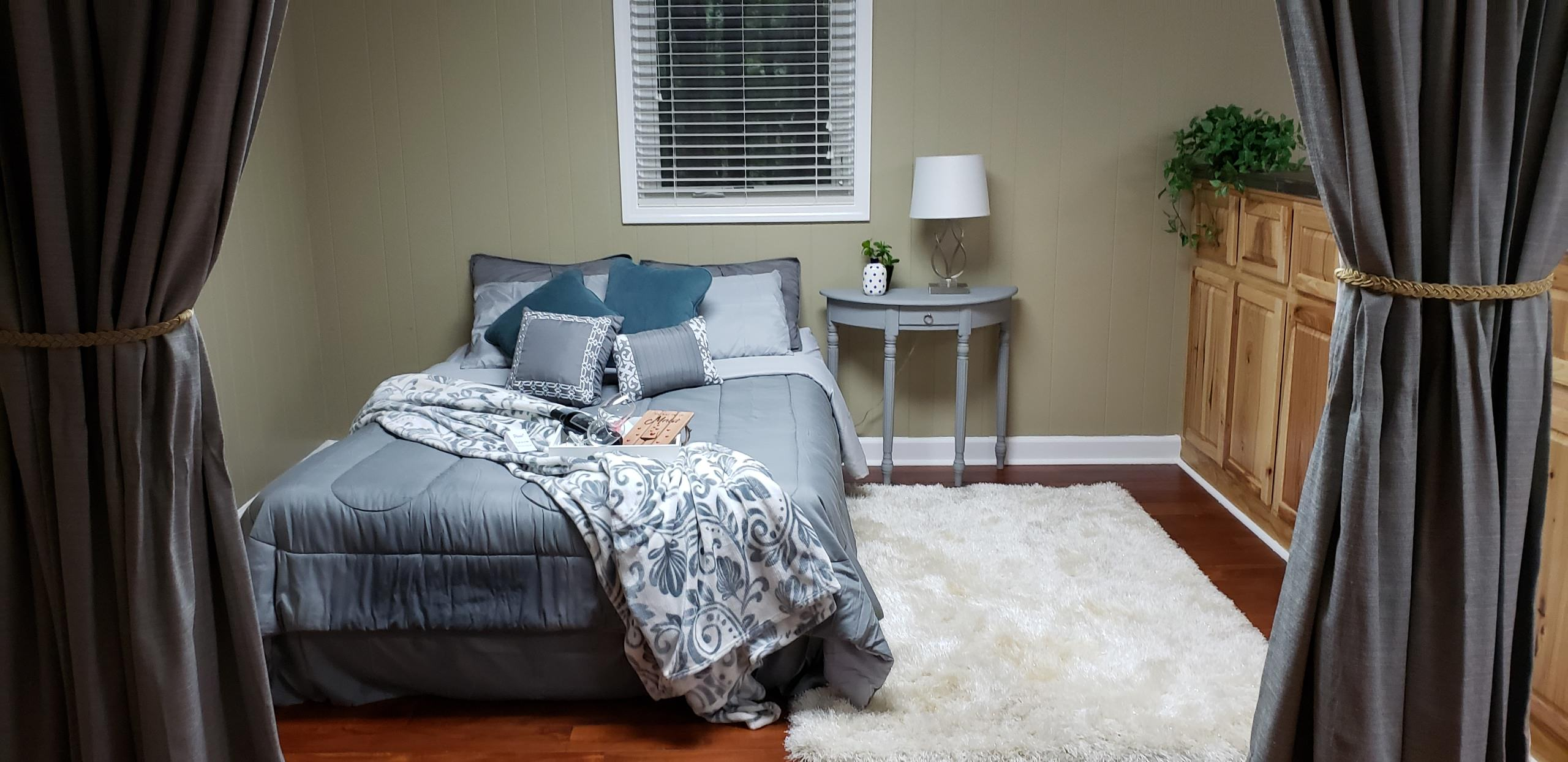 Sherwood Forest Staging