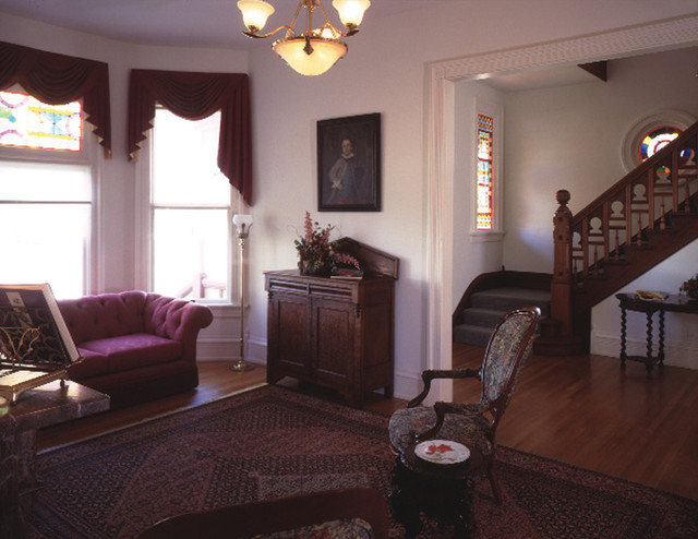 the live room sumner sumner residence traditional living room other metro 15217
