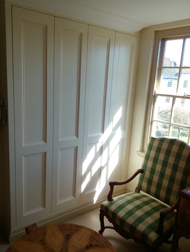 Fitted wardrobe in Fulham
