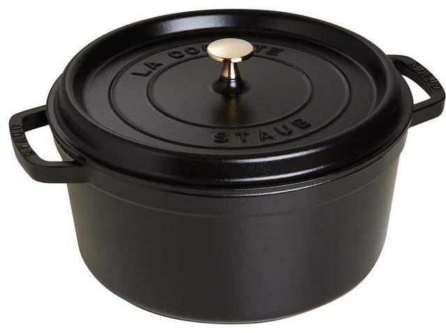 Staub Dutch Oven, Black.