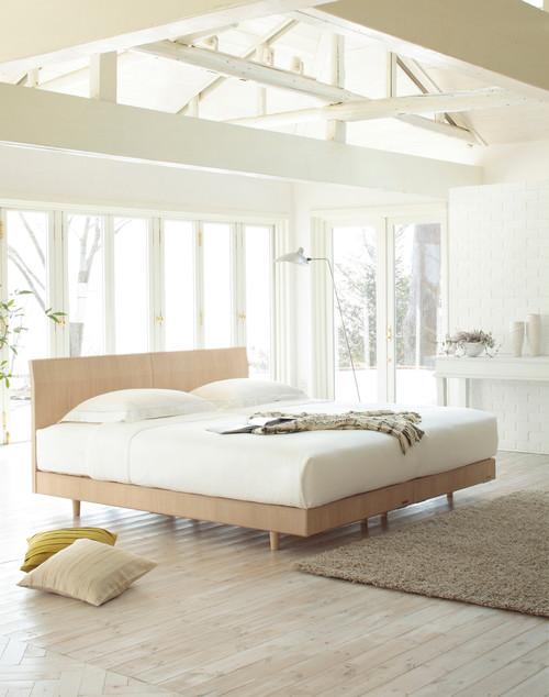 お部屋全体がホワイトで統一された清潔感あふれるとっても気持ちがいいベッドルームです。