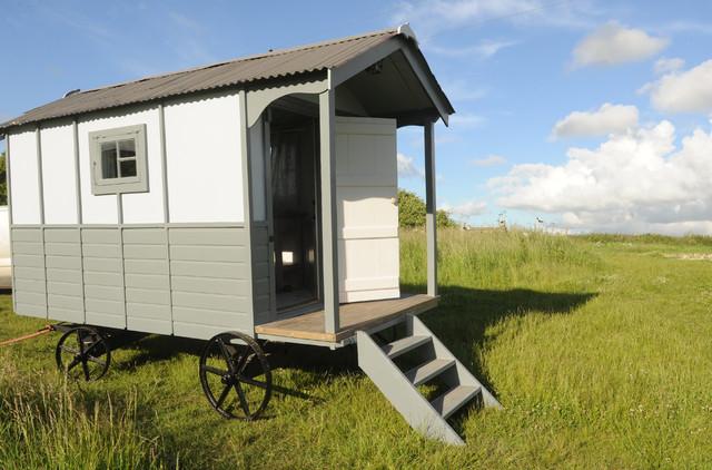 Scandi beach hut beach style sussex by roundhill for Beach hut style