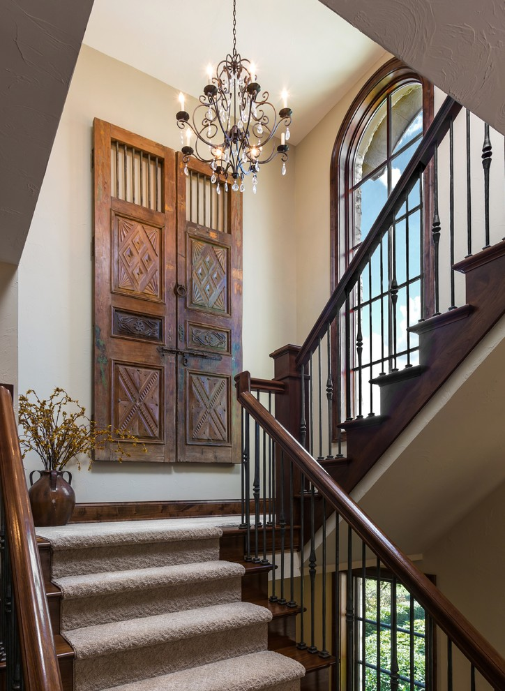 Inspiration for a timeless home design remodel in Milwaukee