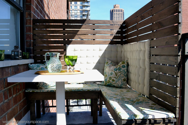 Diy outdoor balcony dining area makeover for Balcony bar top