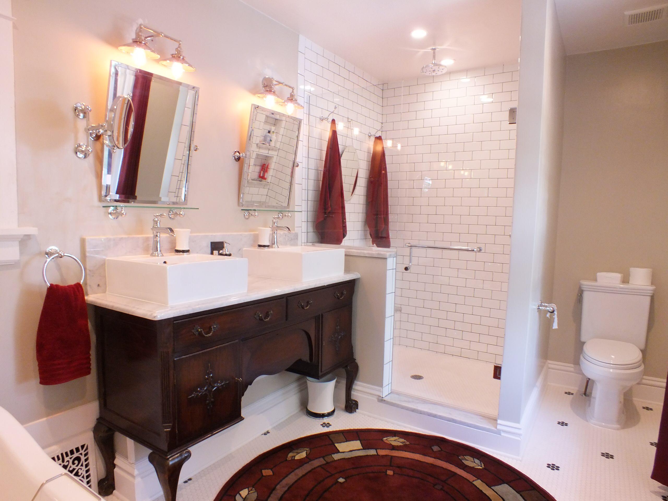 Congress Park Classic Master Bath and Kitchen