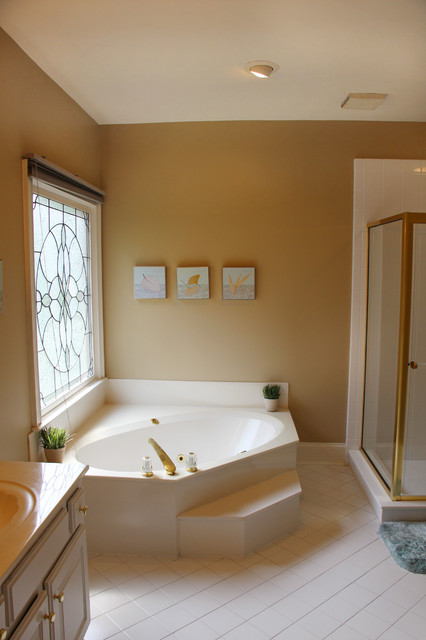 Before And After 7 Bathroom Makeovers That Keep The Same Layout