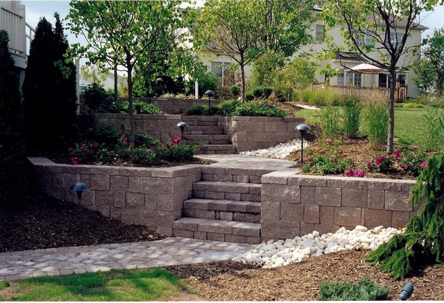 Patio Landscaping - Retaining Wall with Steps - Modern ...