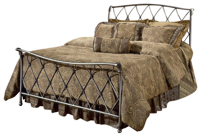 Silverton Bed Set With Rails, Queen.