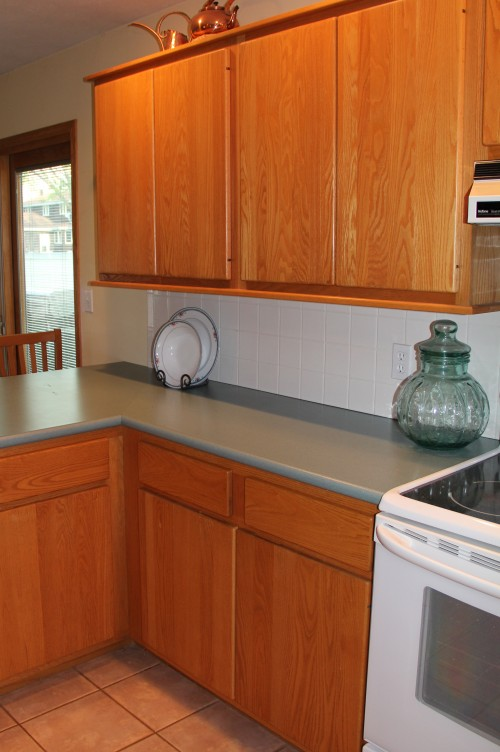 Flat Slab Oak Cabinets Floor And Counter Top Choice