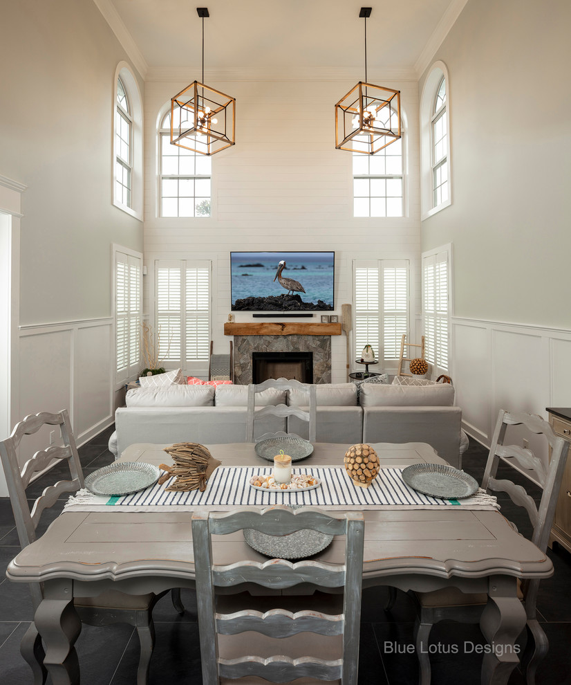 Integrated Family and Dining Room