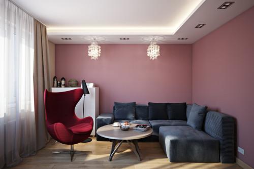 розовые стены красные акценты черный диван трехкомнатная