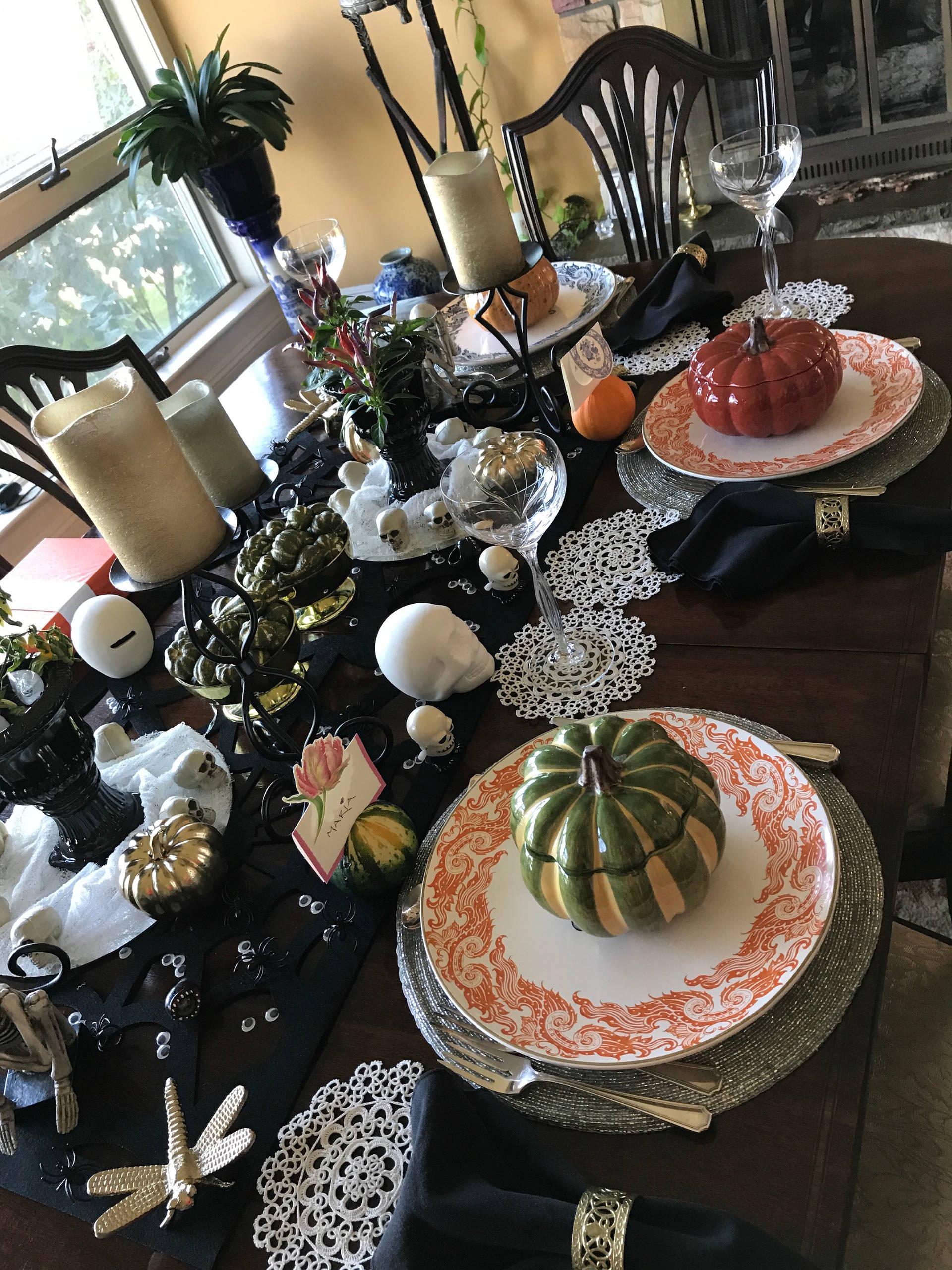 Spooky & Elegant Halloween Tablescape Design