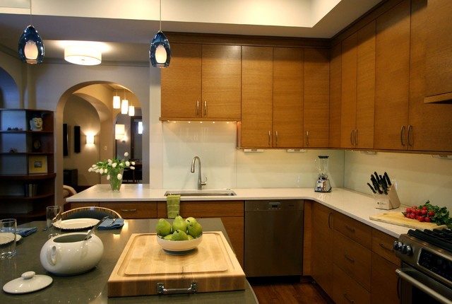 Townhouse renovation transitional kitchen for Townhouse kitchen designs