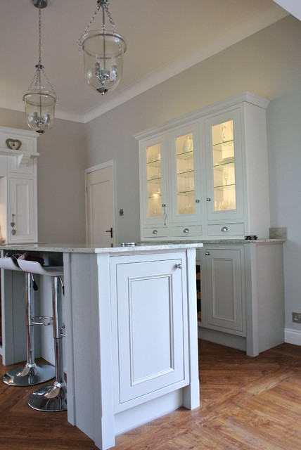 Burbidge Salcombe In Frame Fitted Kitchen Traditional Glasgow By Glenlith Interiors