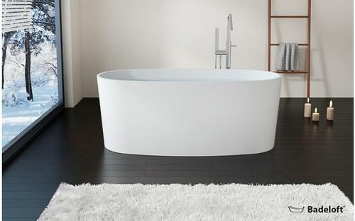Badewanne halb freistehend  Freistehende Badewanne: Ja oder Nein?