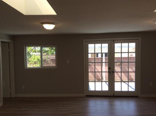 Home design - transitional home design idea in Orange County