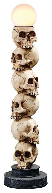 Skulls Spire Lamp.