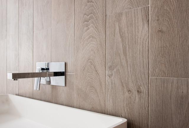 Effetto legno bologna di iperceramica - Piastrelle bagno legno ...
