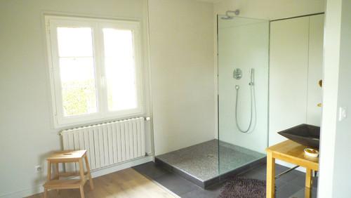 suite parentale avec salle de bain ouverte. Black Bedroom Furniture Sets. Home Design Ideas