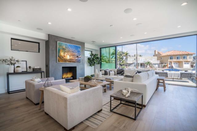 Trendy home design photo in Orange County
