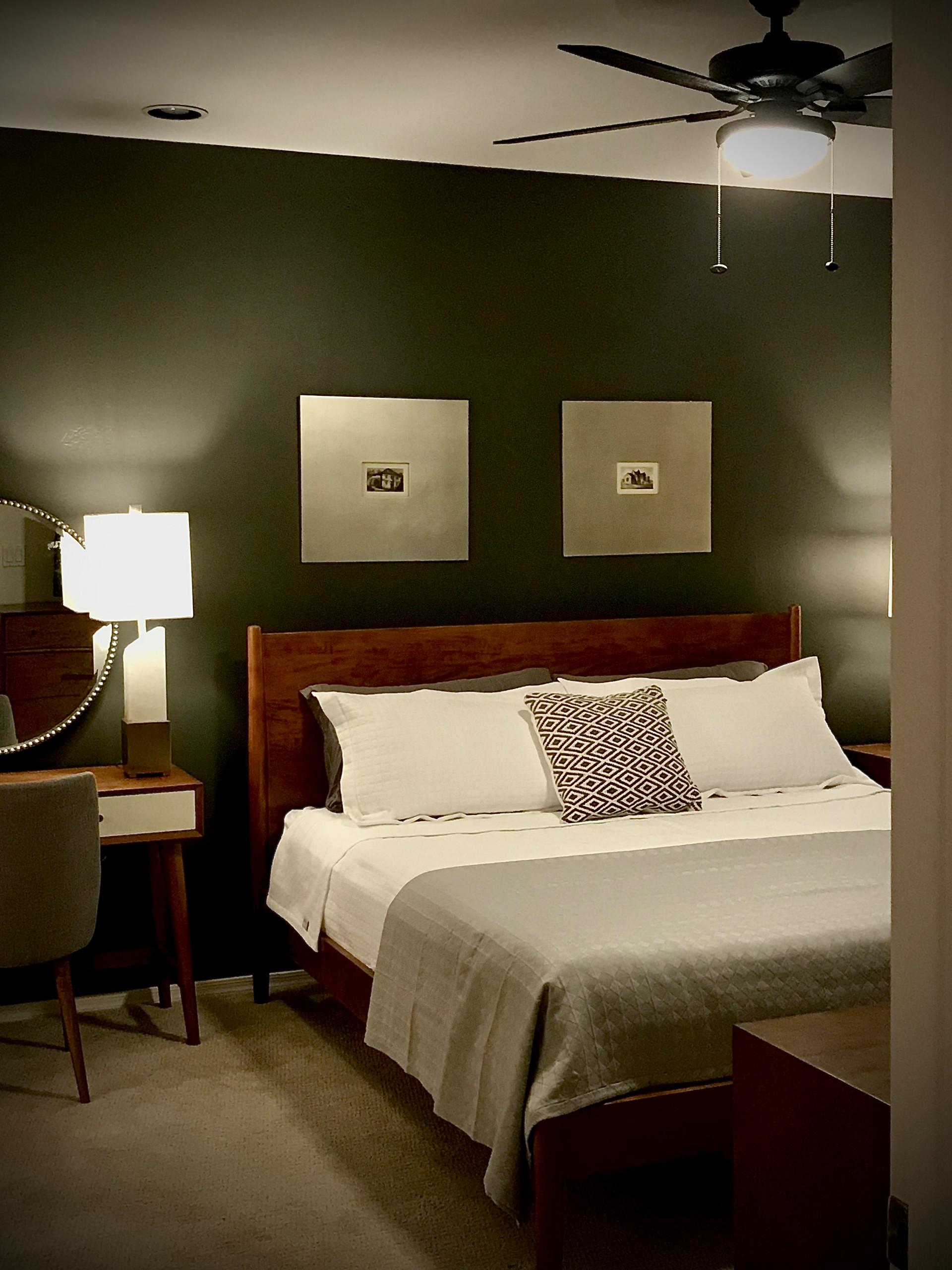 Mid-sized minimalist home design photo in Phoenix