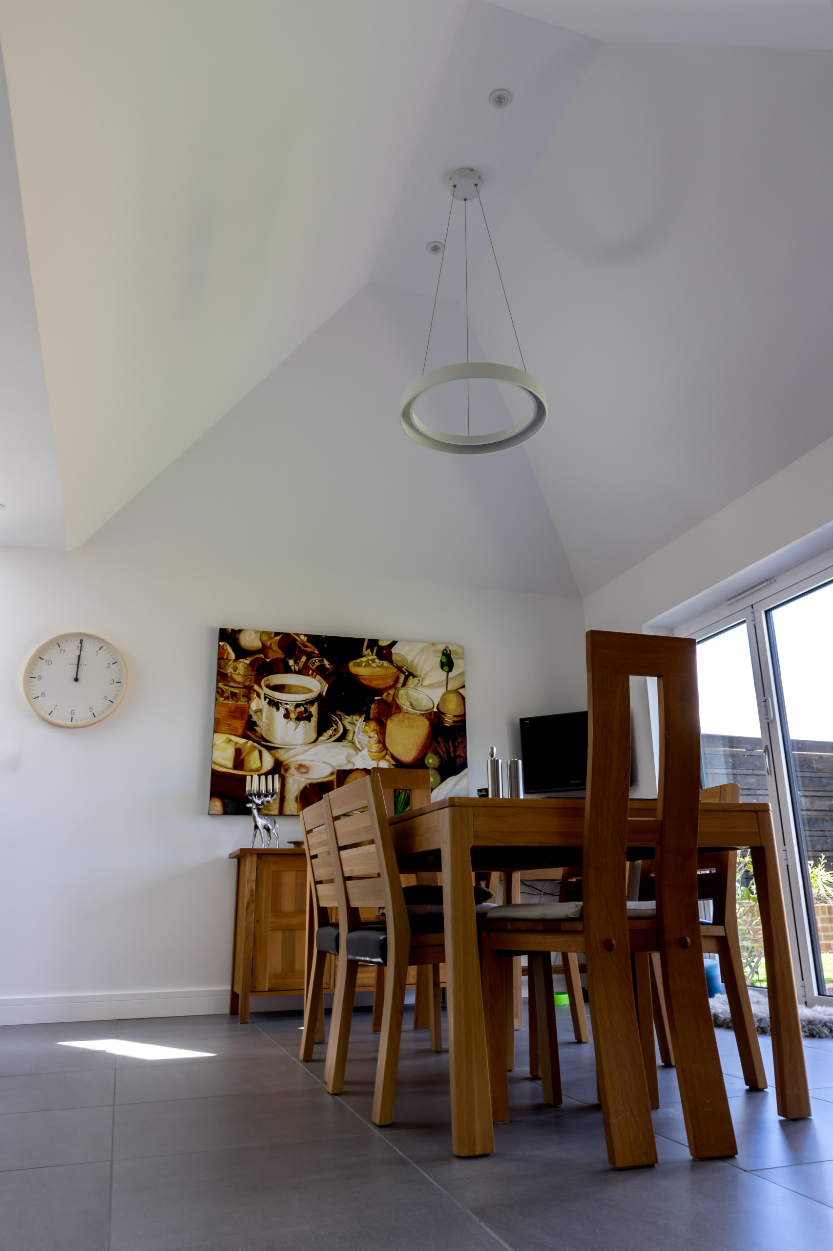 Vaulted ceiling - Dining Room