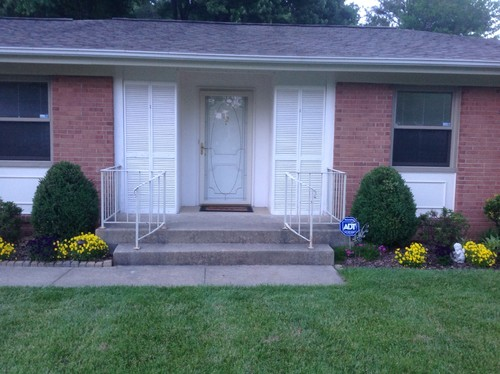 Entrance From A Bad 60s Movie Need Help With Front Entrance