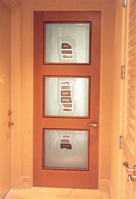 Interior Glass Doors with Obscure Frosted Glass Triptic Center3