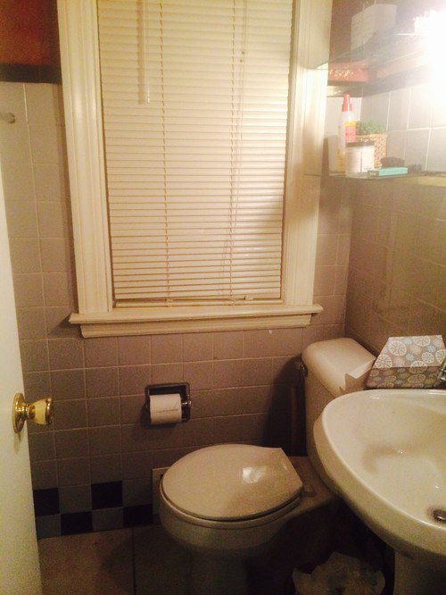 need help with tiny bathroom with 4x4 tiles