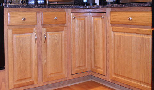 refinished cabinets before and afters u2022 queen bee of honey dos rh queenbeeofhoneydos com Updating Oak Cabinets Before and After Refinishing Kitchen Cabinets Before and After