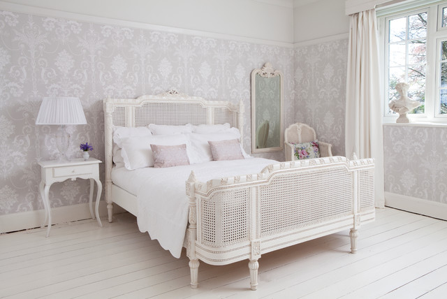 Provencal lit lit white french bed traditional bedroom for Classic french beds