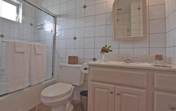 Florida villa ensuite bathroom american southwest for Southwest bathroom designs