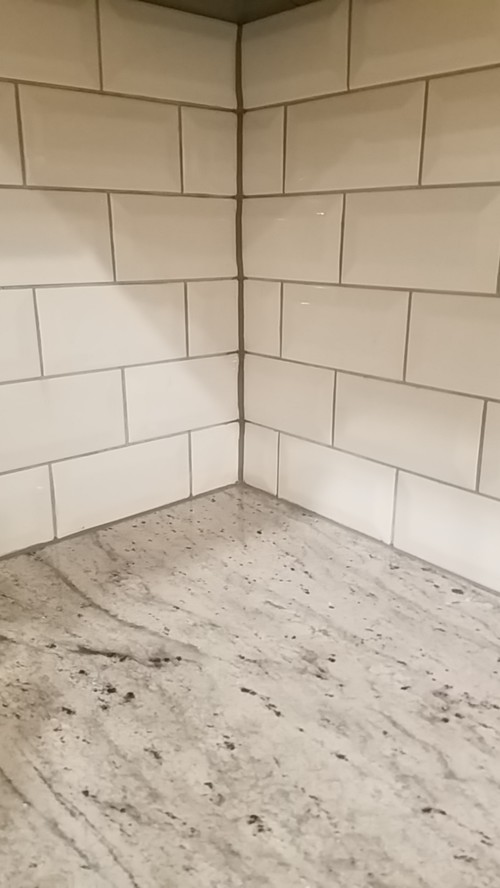 Backsplash corners